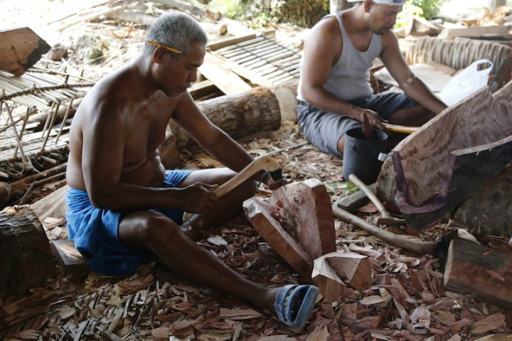 carving the canoe bow