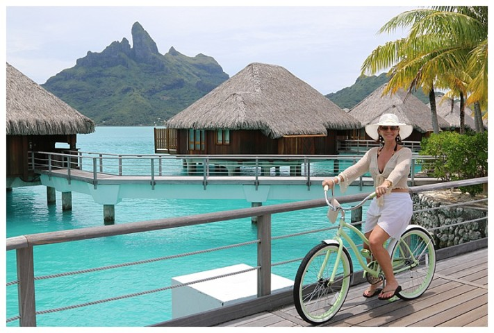 Turquoise water and bikes to ride around on