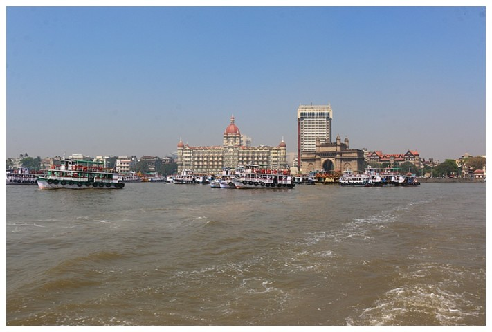 A view of the Taj and Gateway from the ferry